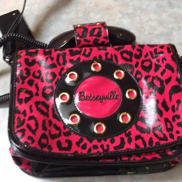 "Betseyville ""call me"" telephone purse."